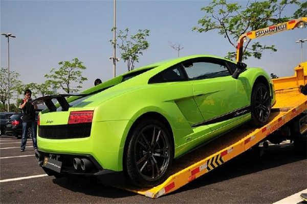 西安到北京轿车托运公司收费标准装车现场