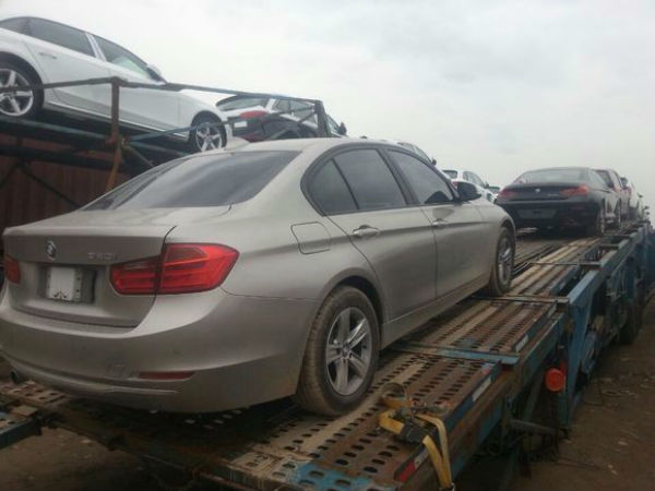 西安到北京轿车插插网公司收费标准装车现场