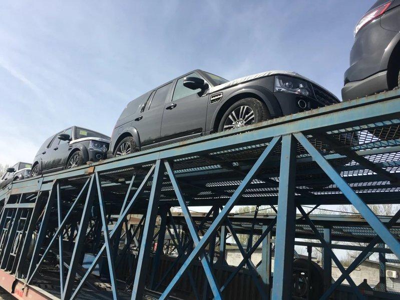 西安到大理商品车托运公司装车流程