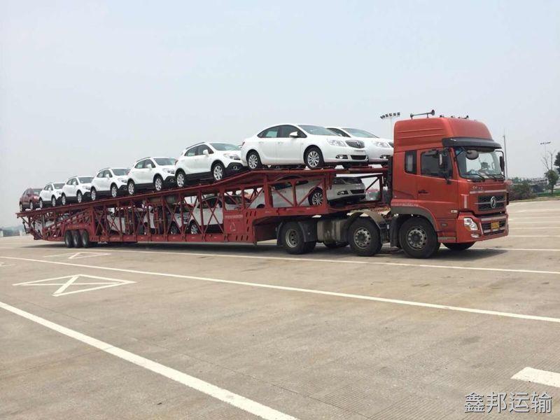 西安到成都巡展车托运公司装车流程